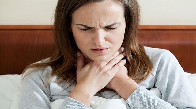nódulos en la garganta