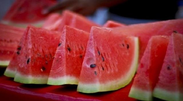 alimentos bajan el ácido úrico