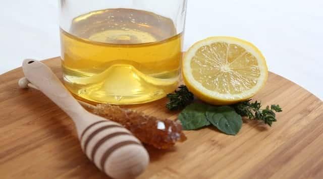 beneficios de tomar miel con limón