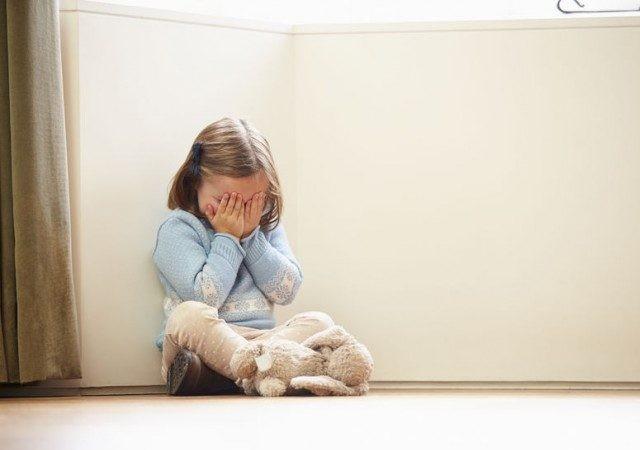 5 signos de traumas en la infancia