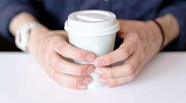 Causas de las manchas blancas en las uñas
