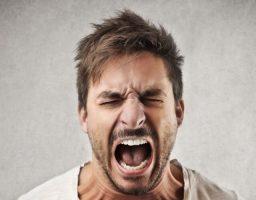 Gritar no te da la razón. Aprende a gestionarlo